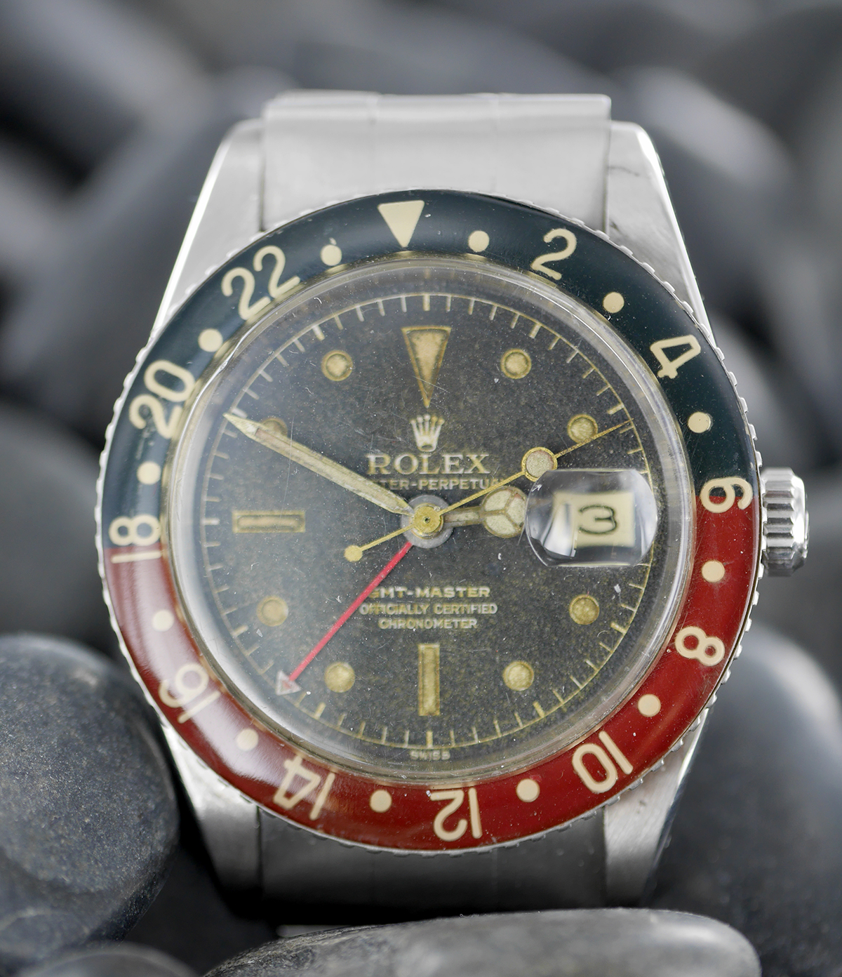 dating a rolex gmt The date change is linked to the local time thus, the date window always displays the current date  gmt-master ii model rolex service using your watch.